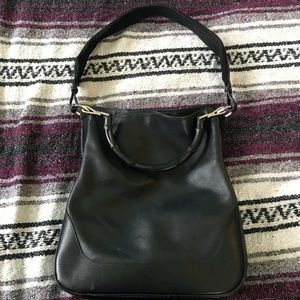 Gucci shoulder bag in black leather
